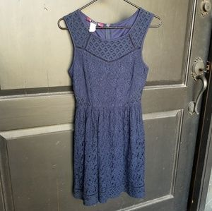 NAVY LINED LACE SPRING SUMMER DRESS JR SMALL